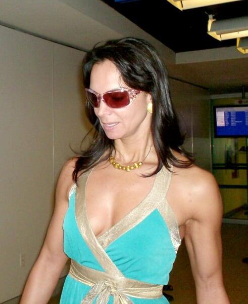 que dice el tatuaje de jaime camil. -Sht, cállate –dice su esposa-. Es Lupita Jones, la que fue Miss Universo.